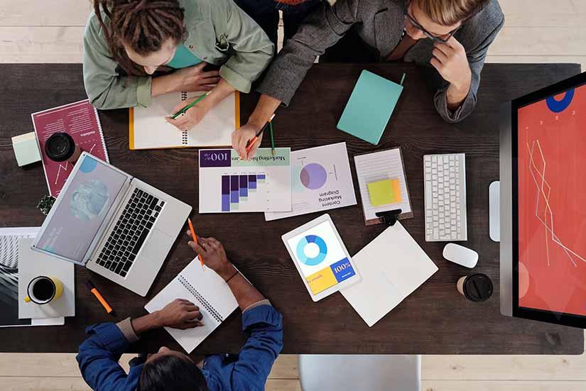 los organigramas facilitan todos los procesos dentro de una empresa. Aquí te contamos cómo escoger un software adecuado para ello