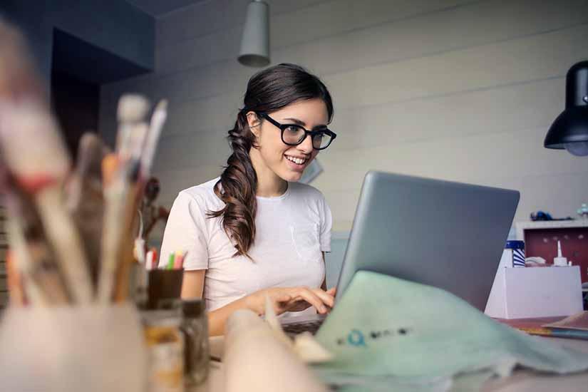 Existen muchos puntos positivos para que contrates a un becario o practicante a tu empresa. Conoce estos beneficios y cómo poder contratarlo